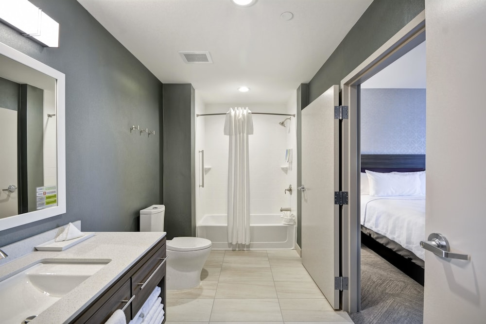 Bathroom, Home2 Suites by Hilton Plano Richardson