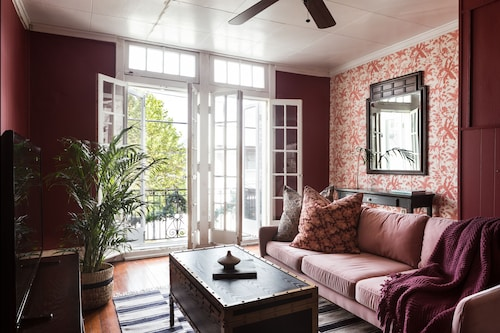 Check Expedia for Availability of Bright 2BR on Magazine Street by Sonder