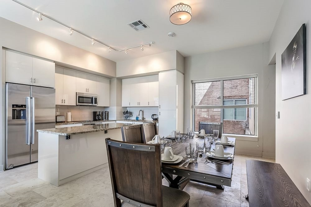 In-Room Dining, Luxury Condos in California Building by Hosteeva