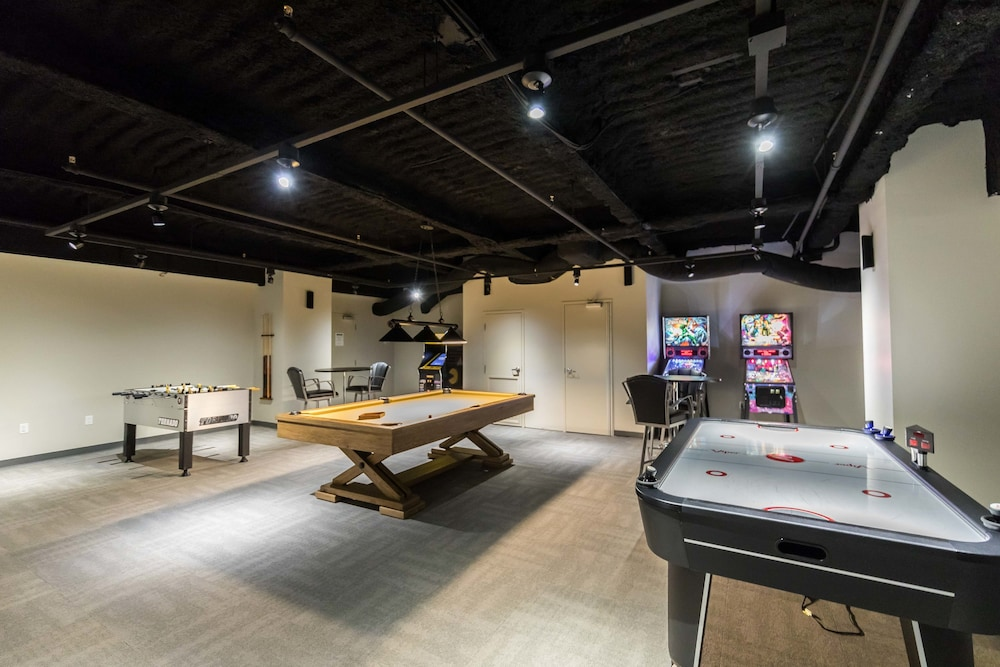 Game Room, Luxury Condos in California Building by Hosteeva