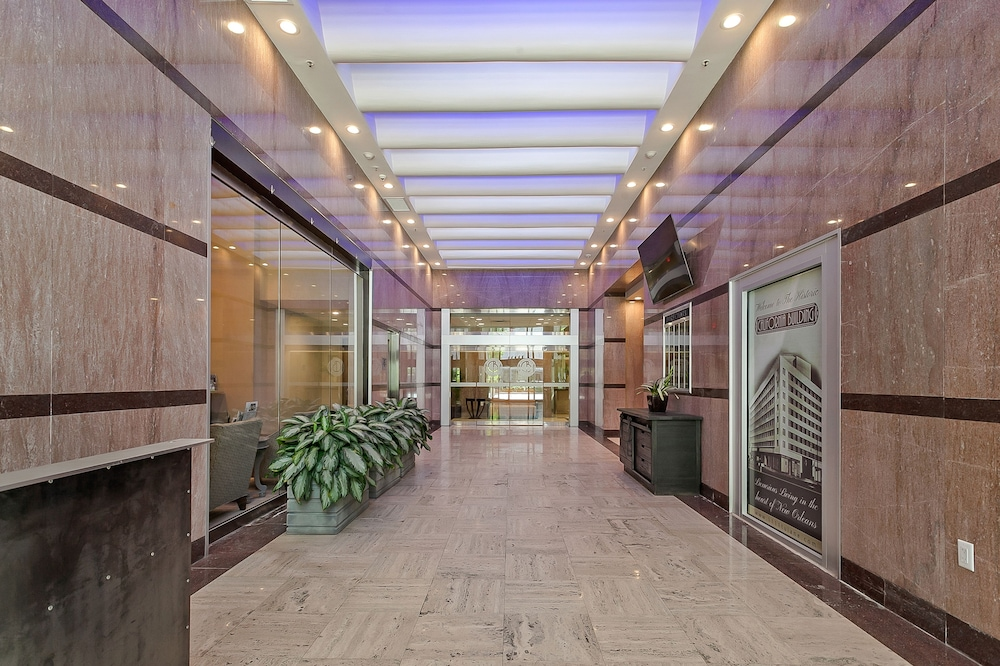 Hallway, Luxury Condos in California Building by Hosteeva