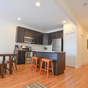 Sprawling 4 Bedroom Duplex in One of Chicagos Most Vibrant Neighborhoods!