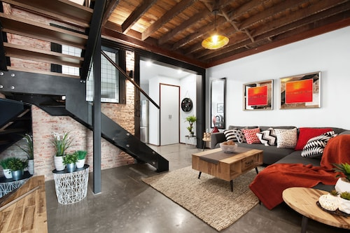 UNIQUE - New York Loft Style Townhouse