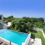 Anthony's Modern Villa, South Coast, 4BR