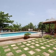Idleawile Villa, 5BR by Jamaican Treasures