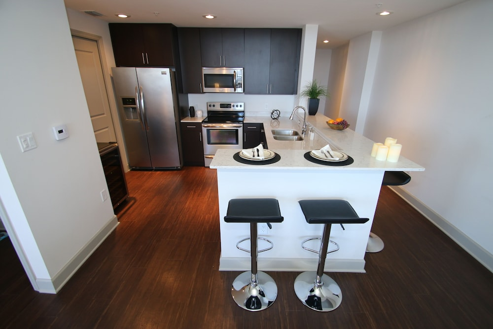 Private Kitchen, Wow! Amazing Luxury Penthouse Skyloft in High Rise!! In the Center of Everything
