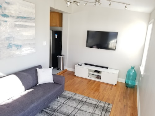 Remodeled Two-unit Condo w/ Parking and Deck in Bloomingdale/shaw