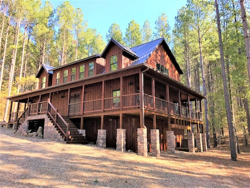 Great Place to stay Incredible Brand new Construction Luxury Cabin! No Compromises, ADA Friendly near Broken Bow