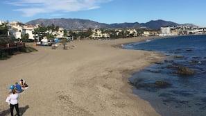 Beach nearby, sun-loungers, beach umbrellas, 10 beach bars
