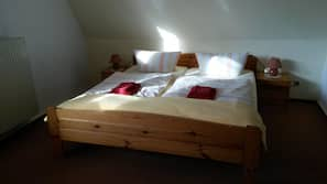 1 bedroom, cots/infant beds, free WiFi, linens