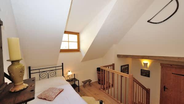 1 bedroom, premium bedding, minibar, desk