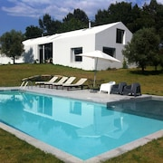 House With 4 Bedrooms and Private Swimming Pool