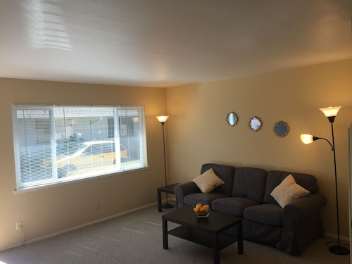 !!! 2BR Located By Downtown Palo Alto !!!