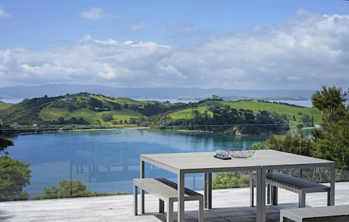 Stunning Views on Waiheke Island - by Urban Butler