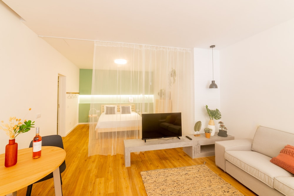 Living Area, Faro Central - Holiday Apartments