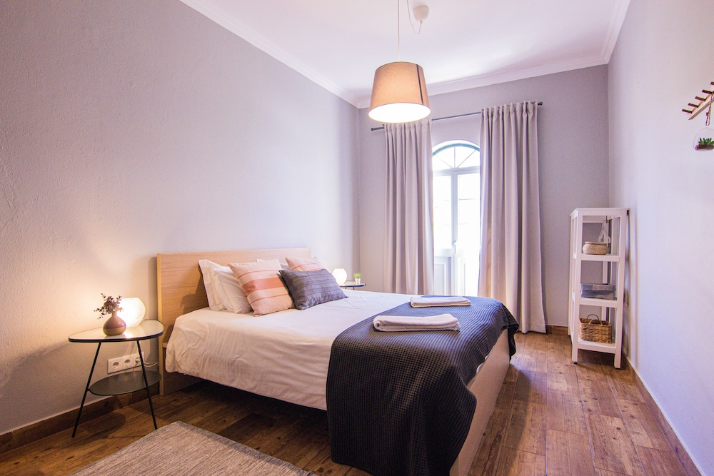 Room, Faro Central - Holiday Apartments