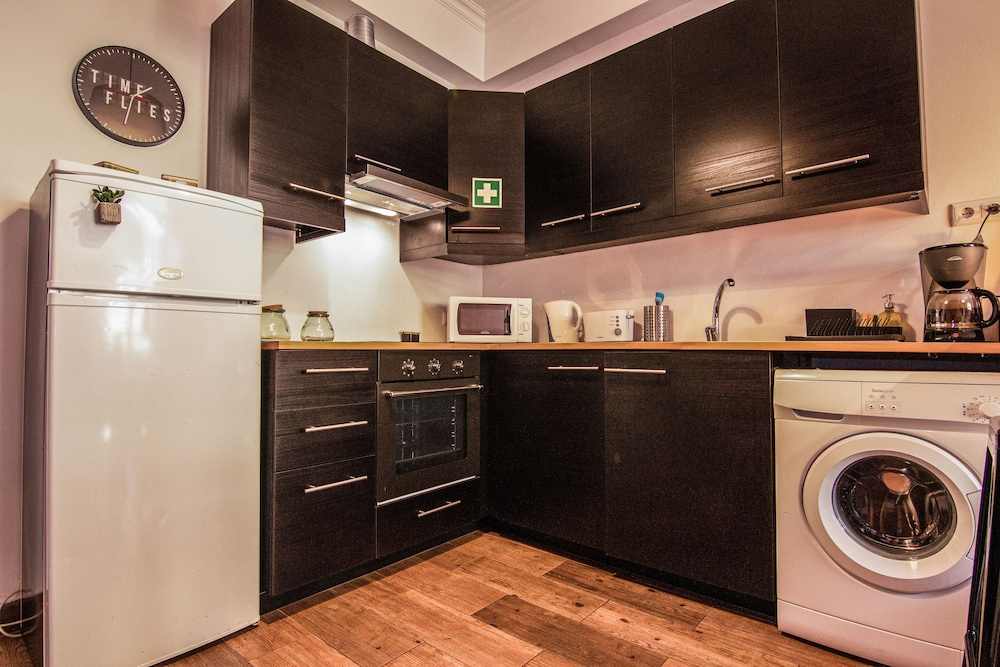 Private Kitchenette, Faro Central - Holiday Apartments