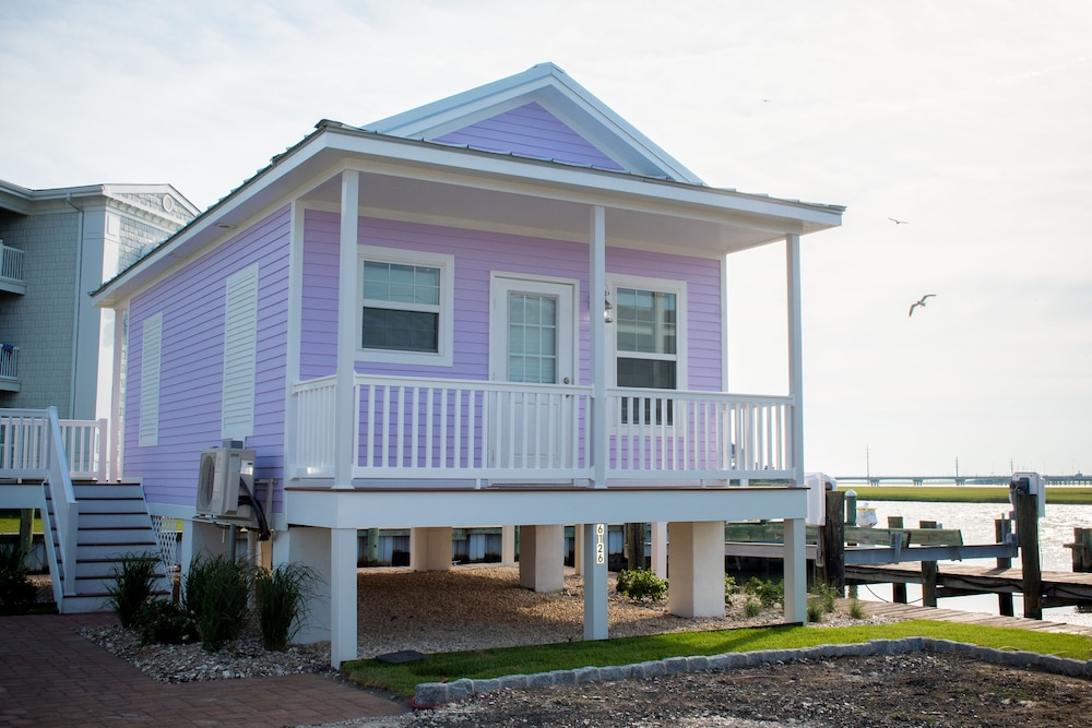 Balcony, Key West Cottages on the Chincoteague Bay
