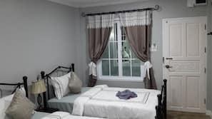 Zimmersafe, Verdunkelungsvorhänge, kostenloses WLAN