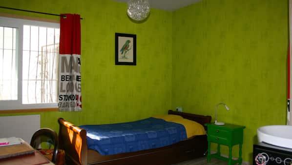 4 slaapkamers, reisbedje, gratis wifi