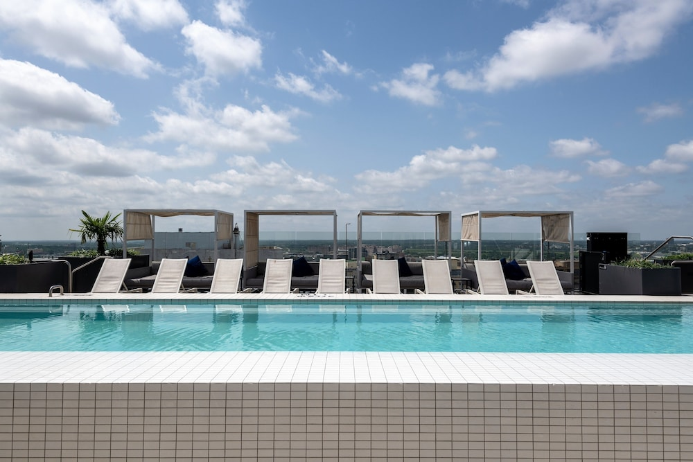 Rooftop Pool, Stay Alfred on Jackson Street