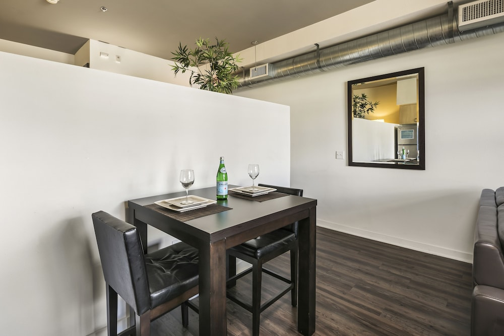 In-Room Dining, Sixth Ave Condos by Barsala