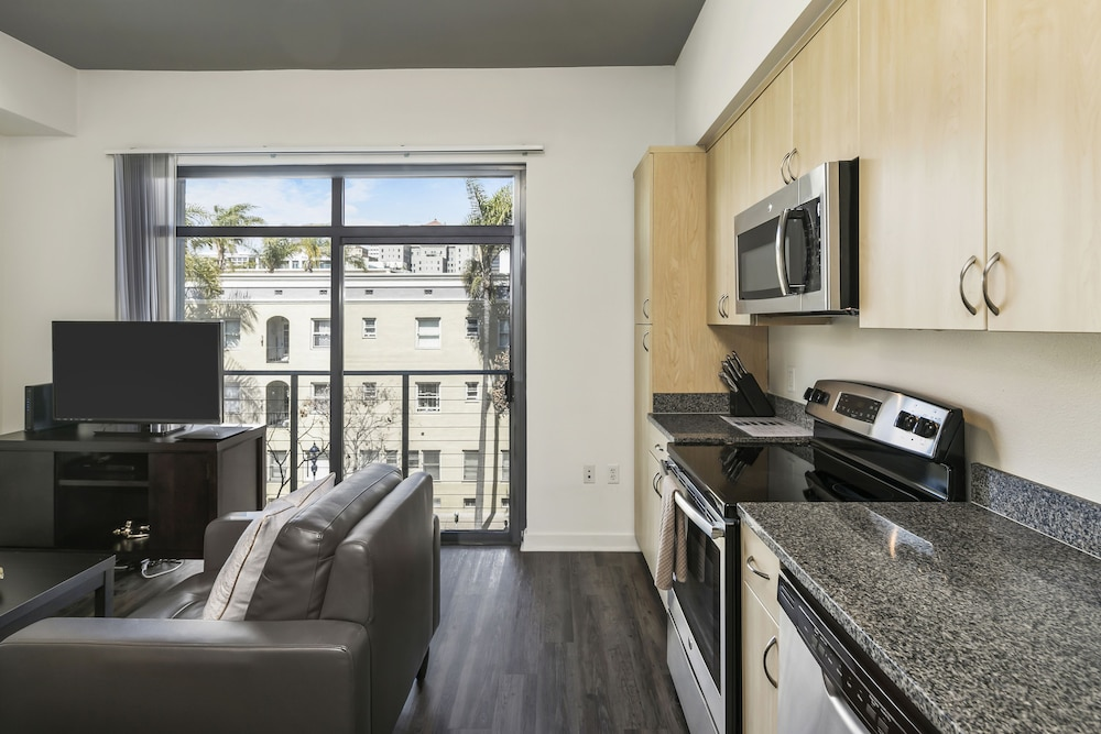 Private Kitchen, Sixth Ave Condos by Barsala