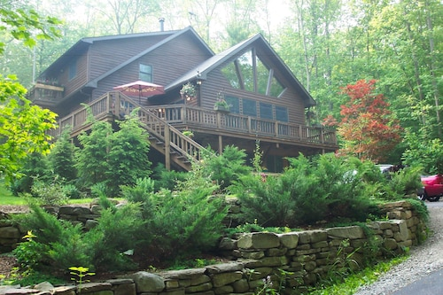 Check Expedia for Availability of Bear Lodges