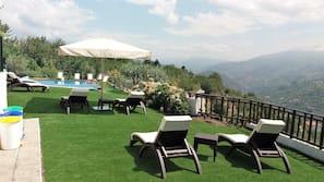 Piscine extérieure (ouverte en saison), piscine sur le toit