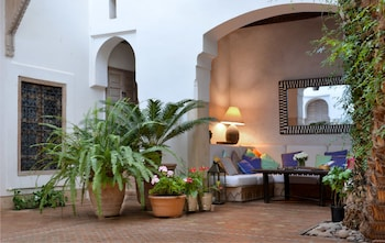 Derb lalla Azzouna, 2 Kaat benhaid, Mkh medina, Marrakech 40000, Morocco.
