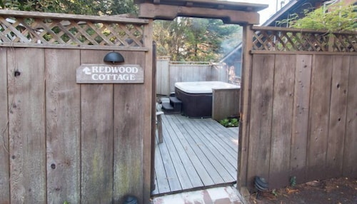 Property Grounds, Redwood Cottage-Pet Friendly