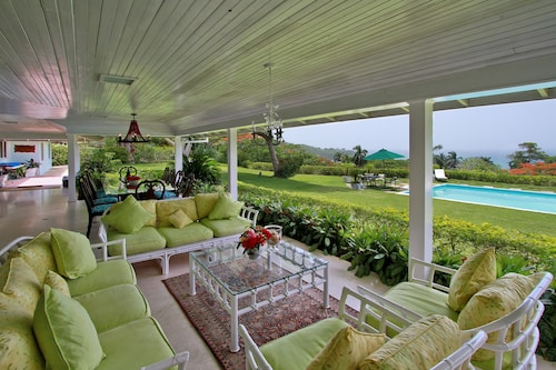 Sea Island, 6BR by Jamaican Treasures