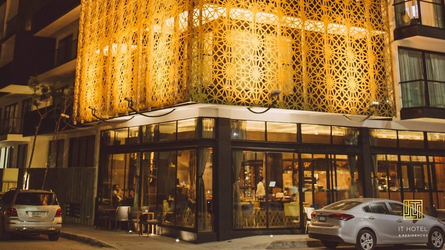 IT Boutique Hotel & Restaurant