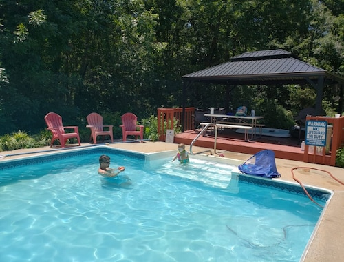 Large East Charlotte Home With Pool, Hot Tub, Arcade, Steam Sauna & Pool Table