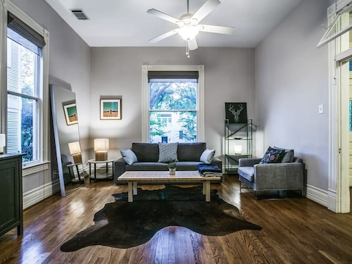Check Expedia for Availability of Historic Home in Heart of Uptown Dallas