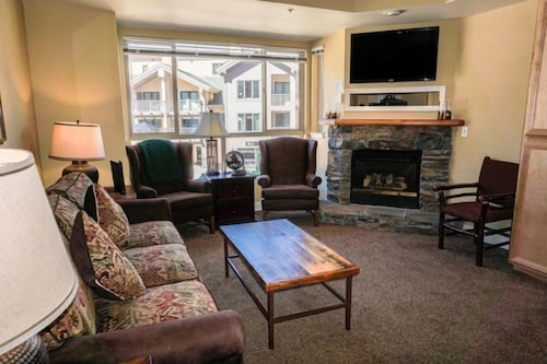 Mountain Club at Kirkwood - Ski In/Ski Out & Affordable Studio #225