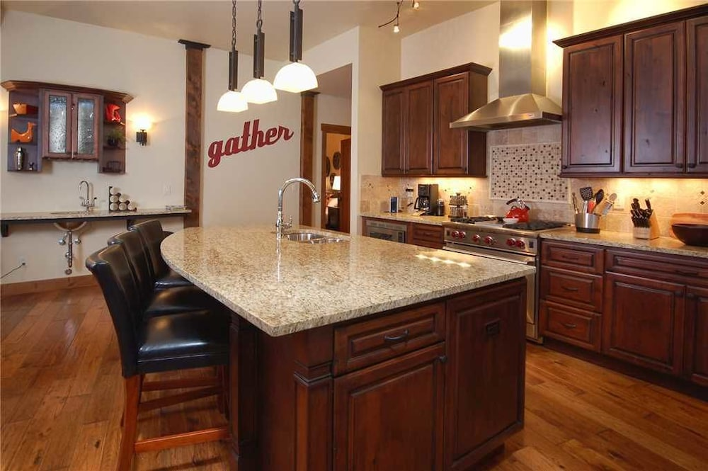 Private Kitchen, Olympian - OL301