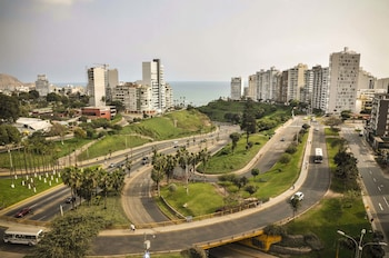 Lux Miraflores Apartments Ocean View