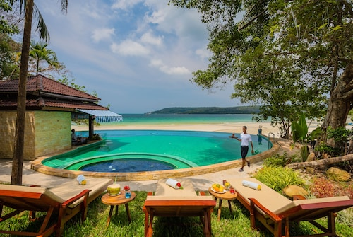 Koh Rong Hill Beach Resort