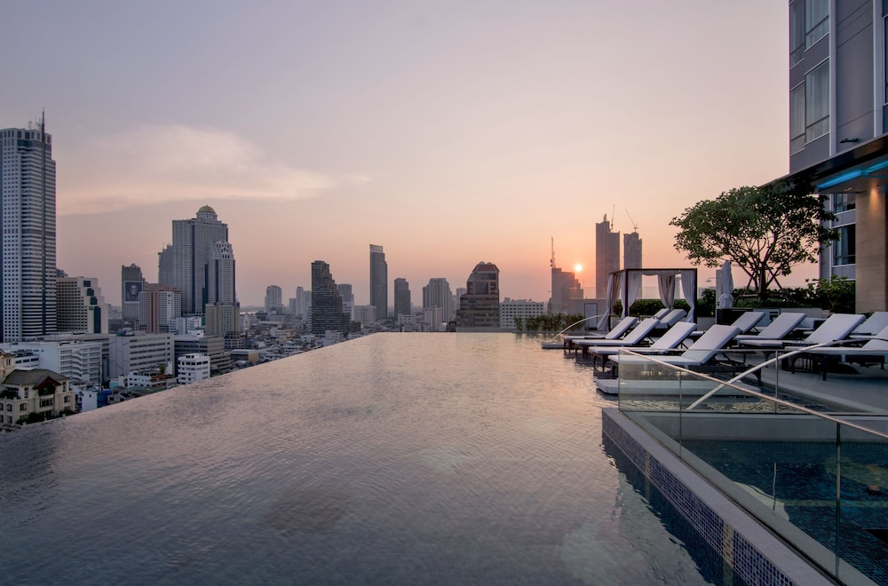 Infinity Pool, Bangkok Marriott Hotel The Surawongse