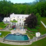 Hudson River Estate-with Infinity Pool and hot tub