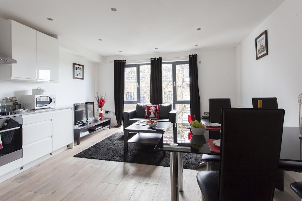 London Bridge Serviced Apartments 4 0 Out Of 5 City View Featured Image