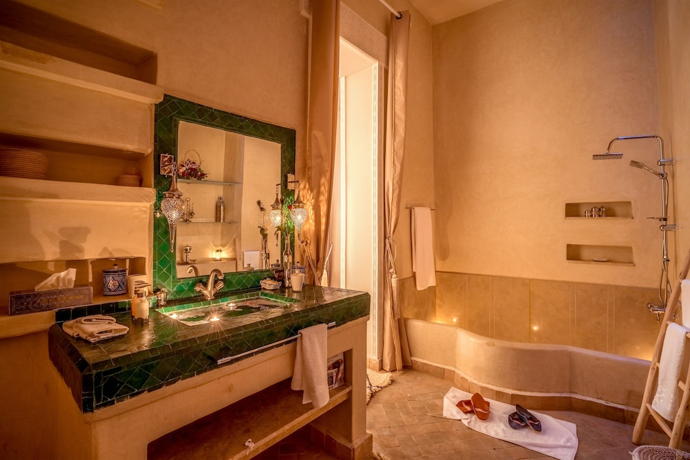 Bathroom, Le Medina Privilège & Spa