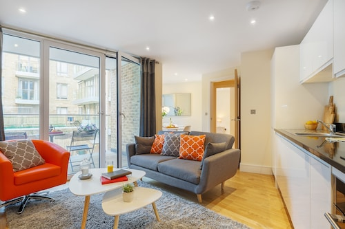 Canary Gateway Serviced Apartments