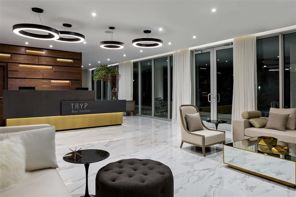 Lobby, TRYP by Wyndham Miami Bay Harbor