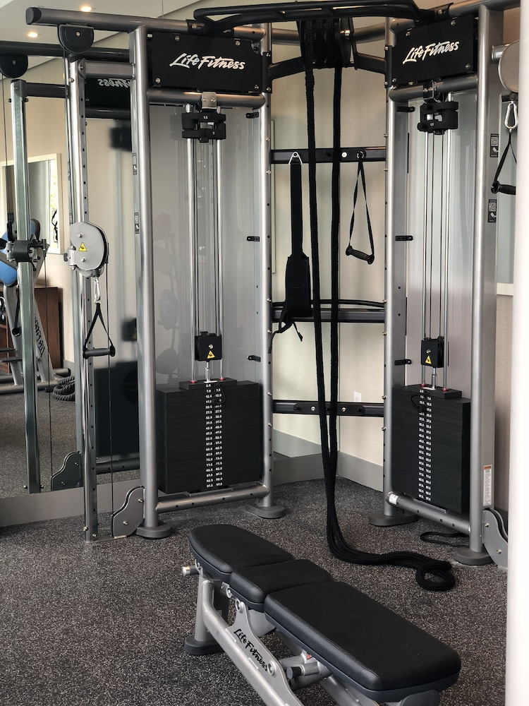 Gym, TRYP by Wyndham Miami Bay Harbor