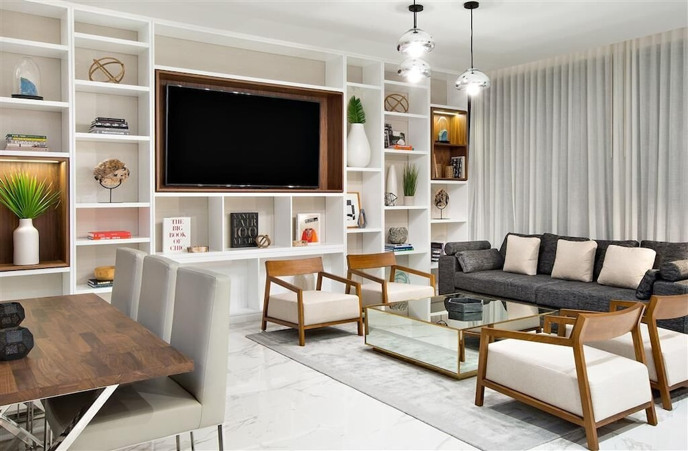 Living Room, TRYP by Wyndham Miami Bay Harbor