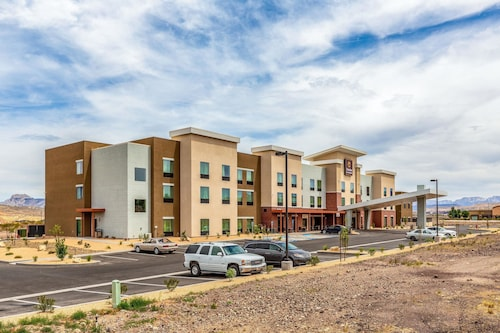 Great Place to stay Clarion Inn & Suites Hurricane Zion Park Area near Hurricane