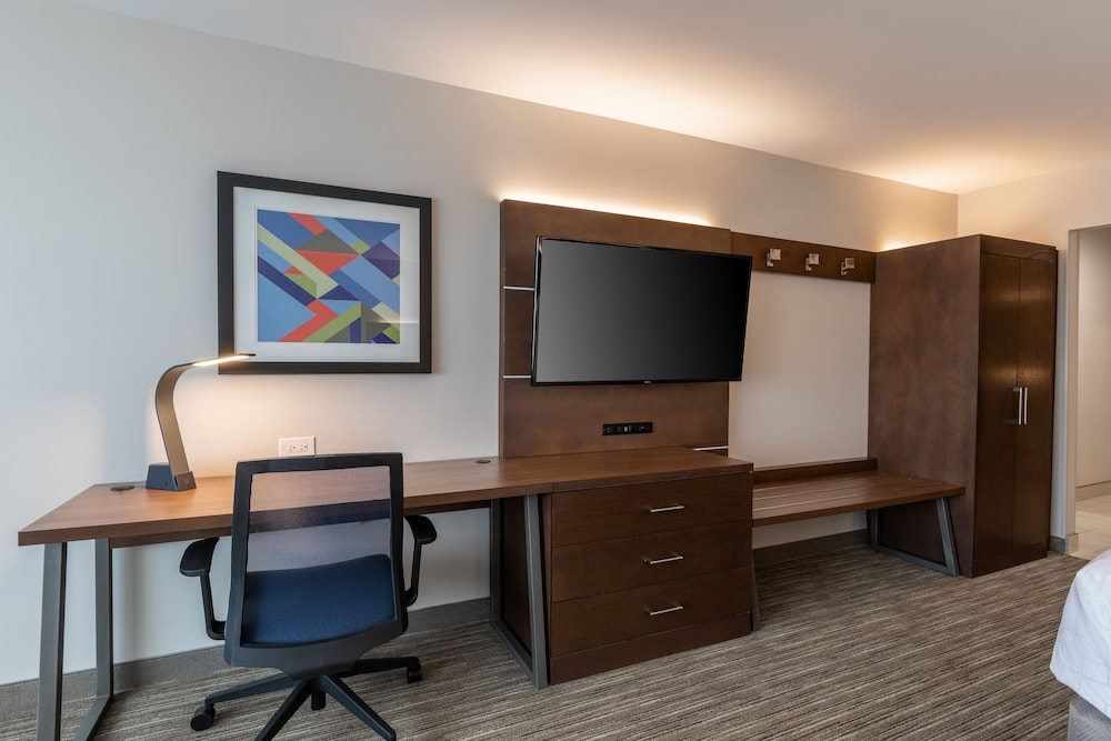 Room Amenity, Holiday Inn Express & Suites Gainesville - Lake Lanier Area, an IHG Hotel