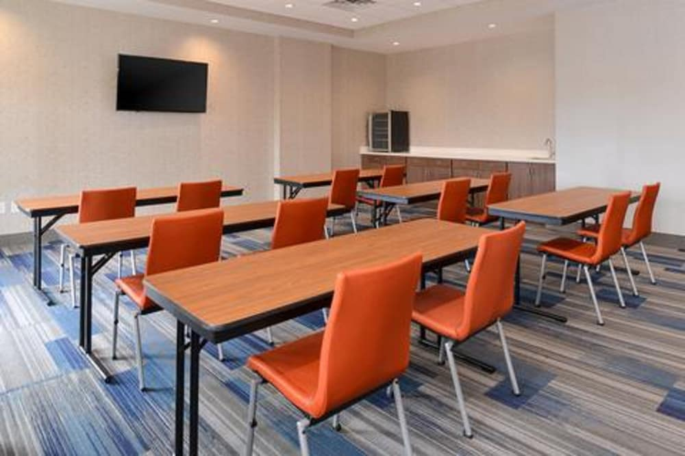 Meeting Facility, Holiday Inn Express & Suites Gainesville - Lake Lanier Area, an IHG Hotel